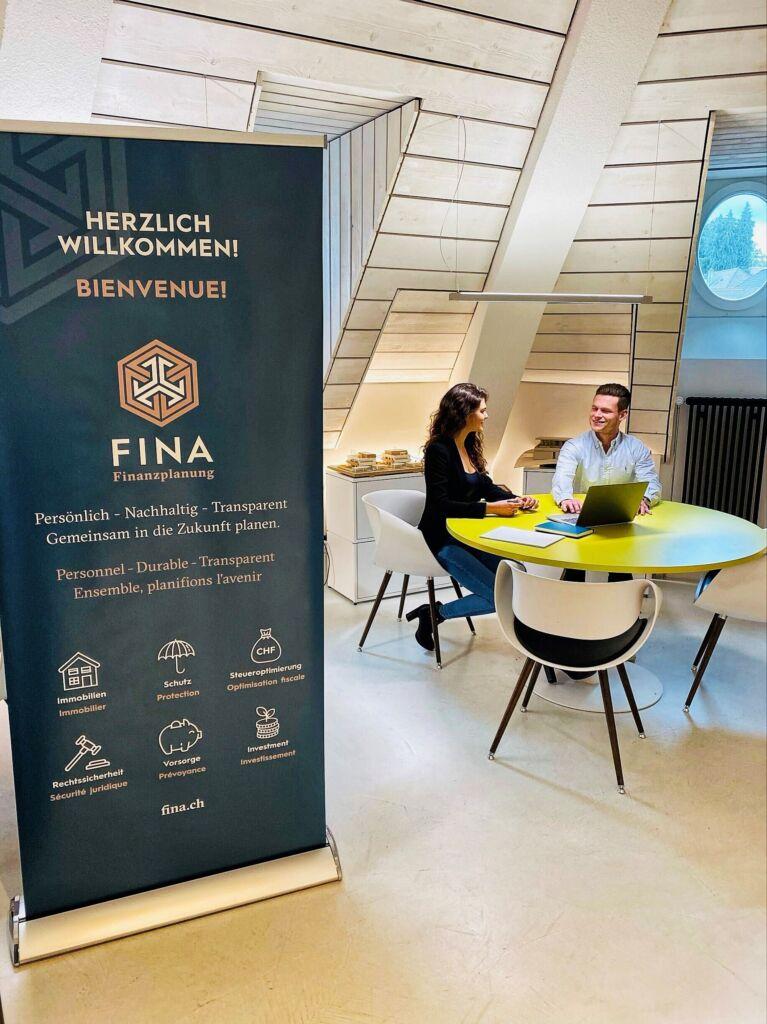 FINA Fribourg mit Lisa Morgenegg und Gabriel Maeder
